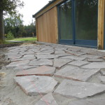 Flagstones in de droge mortel